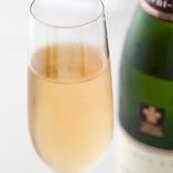 ソムリエセレクトのスパークリングワイン