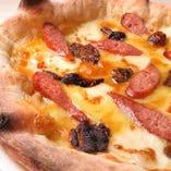 ポルチーニ茸と那須高原豚のソーセージピッツァ