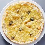 うす焼きピザ 四種チーズ