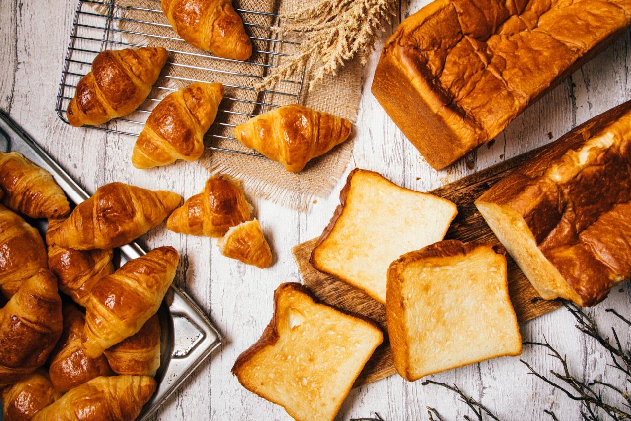 クロワッサン&高級食パン食べ放題