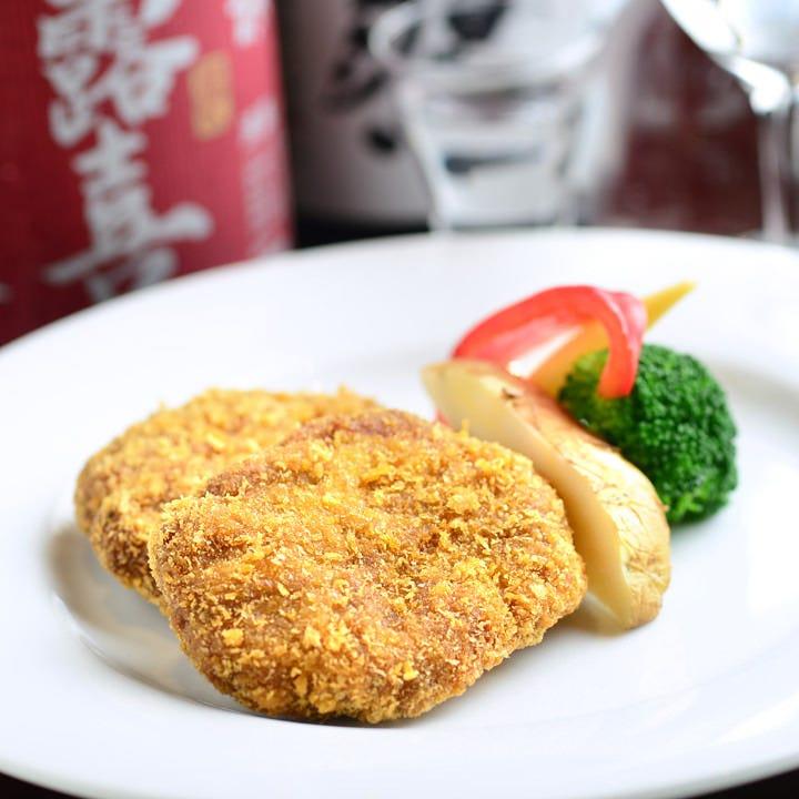和・洋問わず美味しい料理をご提供。手仕込みメンチカツは絶品!