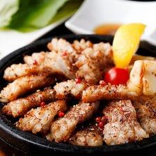 豚バラ肉をみそだれとともに野菜で巻いてどうぞ『天草豚のサムギョプサルコース』全7品│宴会