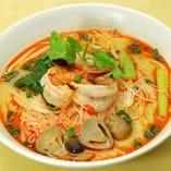 細米麺、海老入り(トムヤムスープ)
