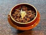 牛肉とごぼうの時雨(陶器釜)