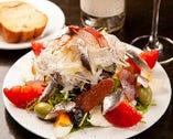ボリュームとクオリティーはそのままに、季節毎のサラダをぜひ!