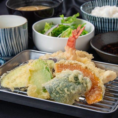当店一番人気『天ぷら定食』