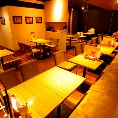 essence dining  店内の画像