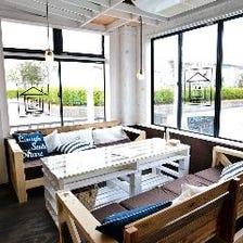 海辺に佇むレストランの雰囲気を再現