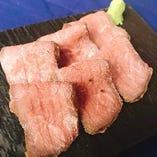 ローストビーフを山葵醤油で