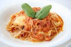 モッツレラチーズとトマトのスパゲッティ