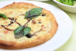 きのこスープをソースにしたロス風オリジナルピッツァ
