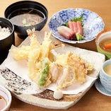 旬の食材や鮮魚を使った『天ぷら』。サクサクの衣が絶妙な一品