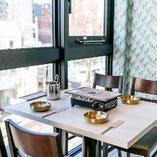 おしゃれな雰囲気で♪カジュアルなテーブル席