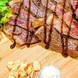 肉好きには嬉しいお肉料理も満載! ここでしか味わえない絶品。