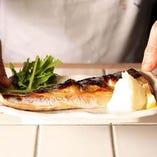 脂がのった焼き魚は日本酒や焼酎と食べたい逸品