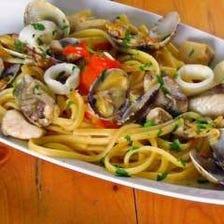本場イタリアから空輸された美味食材