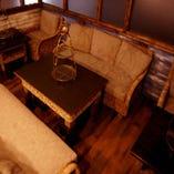8名様~10名様で貸し切りOK! ソファー席の個室です!