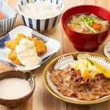 【炭火焼き】チキン南蛮と牛たん麦とろろ定食