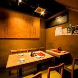 1Fテーブル席【~2名様×2/~4名様×1】