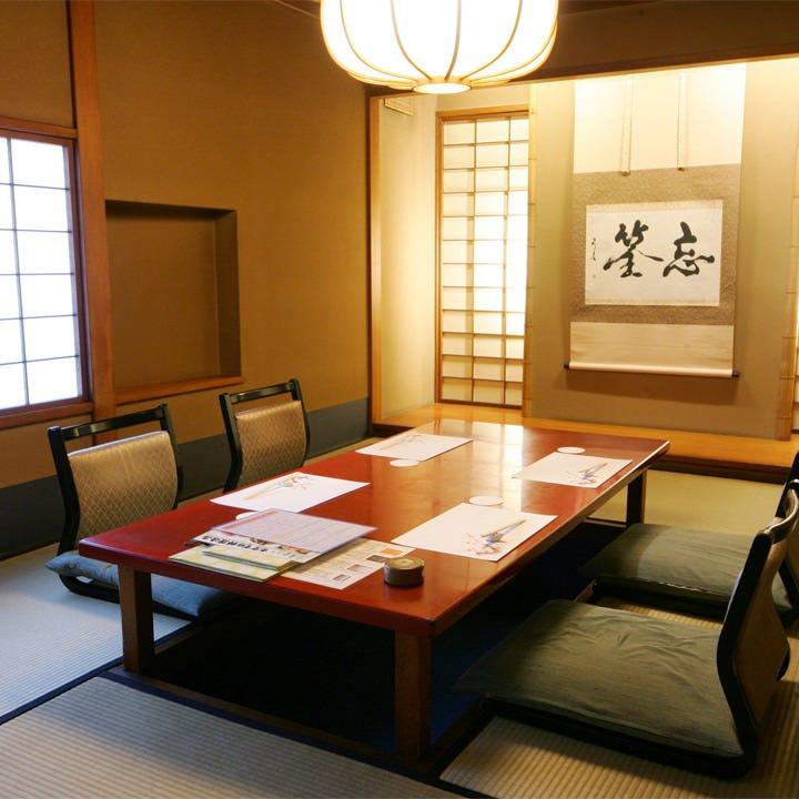17室ある数寄屋造りの個室は様々な用途にご利用いただけます