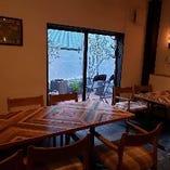 ●8名~20名でご利用可能●テラスが見えるテーブル個室