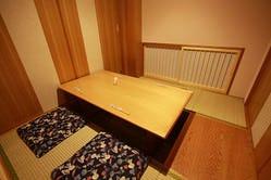正座席・掘り炬燵・テーブル席 各種4名様からのご予約で利用可