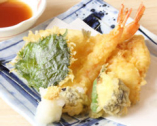 お寿司以外の楽しみも♪一品料理も種類豊富に揃えています
