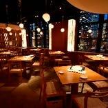 綺麗な景色を一望できるテーブル席(~4名様×8卓)