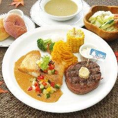 琉球スギの彩りタイカレーソース&フィレミニオンステーキ