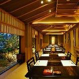慶事・法事・接待・ご宴会など様々なシーンで優雅なひと時をお過ごしいただける完全個室をご用意。
