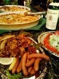 パーティには豊富なドリンクとボリュームたっぷりなお料理を!