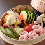 《夢の宝石箱》 新鮮な大和野菜や、大和ポークをせいろ蒸しに!