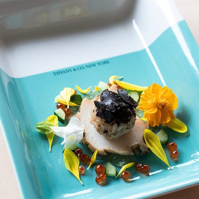 ◆豪華食器の華やかな彩り ◆