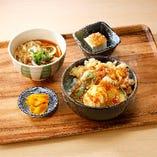〈2〉A:鶏天丼とたぬきうどん定食