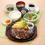 牛肉カットステーキ膳