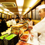職人による高級江戸前寿司パフォーマンスもお楽しみ頂けます。