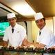 江戸前寿司職人が船内で握りたてのお寿司をご提供致します