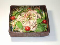 サラダもいろいろ 健康豚しゃぶサラダ780円も人気