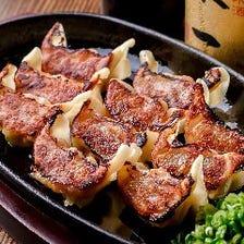 黒豚を使った料理が盛りだくさん