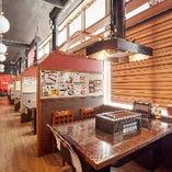 ◆店内◆ 明るく開放感抜群の広々空間に全席半個室を完備