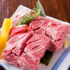 霜降り入りの肉の旨味をお愉しみください。