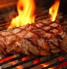 全国から厳選されたお肉の炭火焼き
