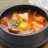 隠し調味料タテギ(唐辛子)が味わい深い自慢のスンドゥブ