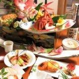 瀬戸内の味覚を愉しめる会席料理をコースで提供