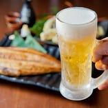 分厚い『産直開きほっけ焼』などお酒によく合うメニュー多数!