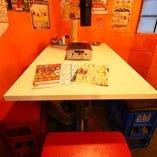 各4名様用テーブル席もあり!