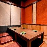 【温かな個室】 様々な個室に加えて、カウンター席もご用意♪