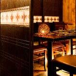 落ち着いた雰囲気の完全個室は2名様~完備。接待やデートに最適