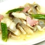 白身魚の塩味炒め