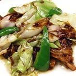 豚肉の薄切りとキャベツの味噌炒め